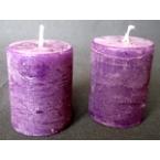 2 bougies violettes